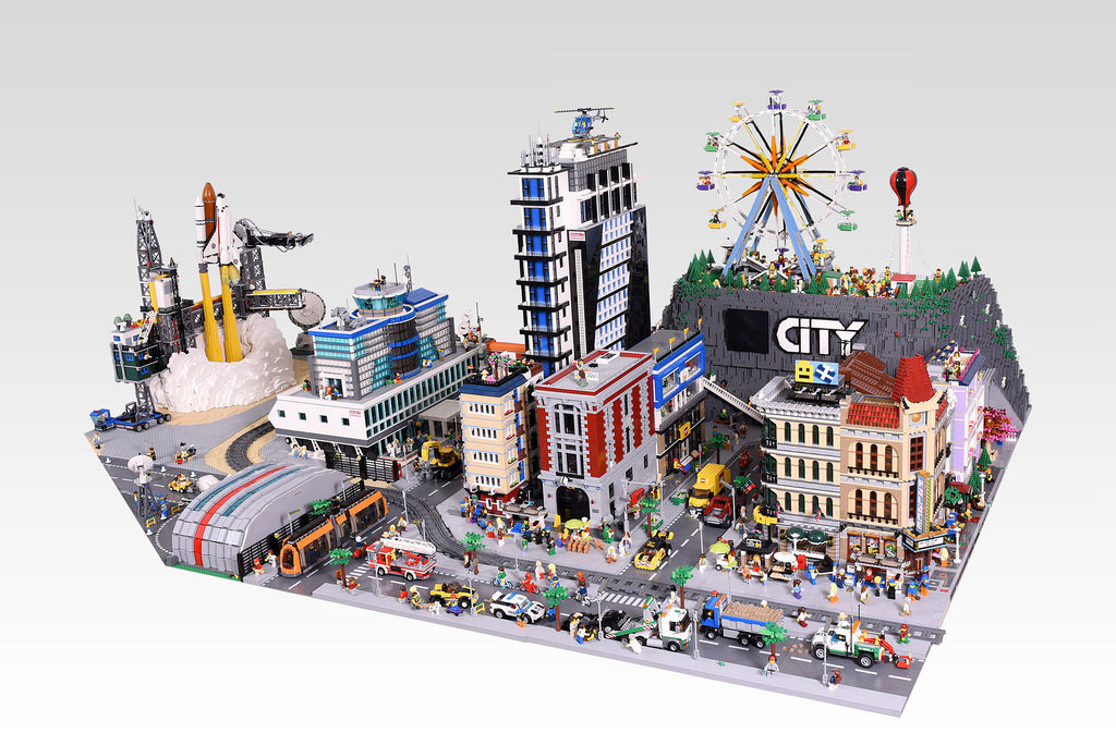 The City Diorama that will blow you away - BricktasticBlog - An ...