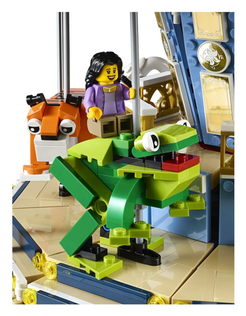 10257: Carousel Frog