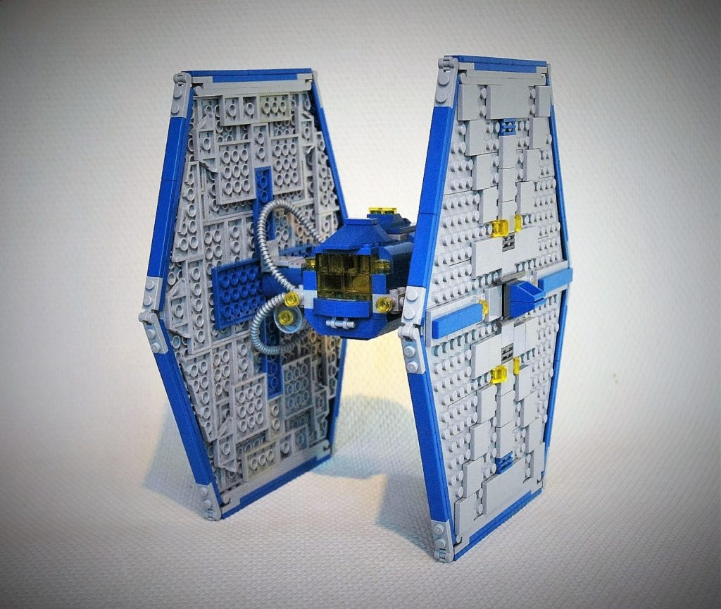 Andreas Lenander - Classic Space Tie Fighter