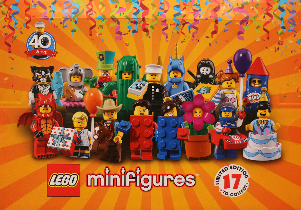 LEGO CMF 18 Group Photo