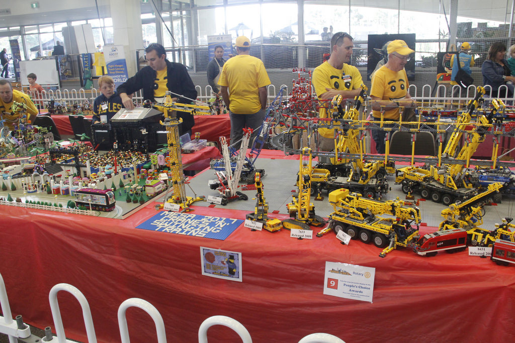Cranes 'n' Swinging Trains - Bricktober Perth 2017