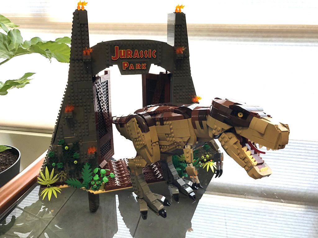 75936 Jurassic Park: T. rex Rampage